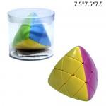 Кубик-Рубика Пираморфикс