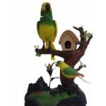 Попугай на ветке с домиком